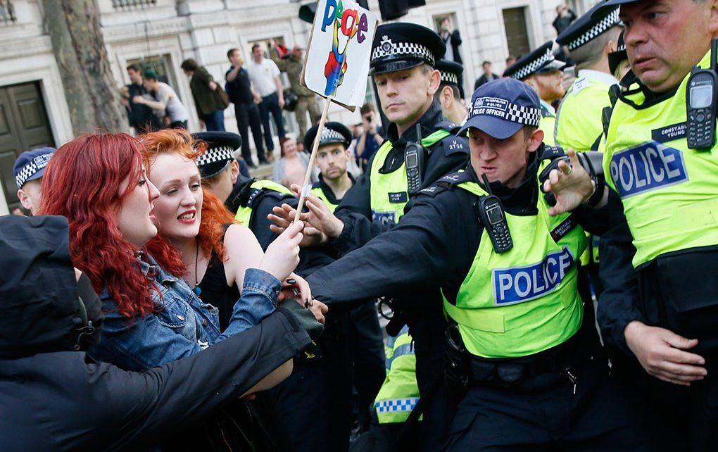 battles-between-protestors-police